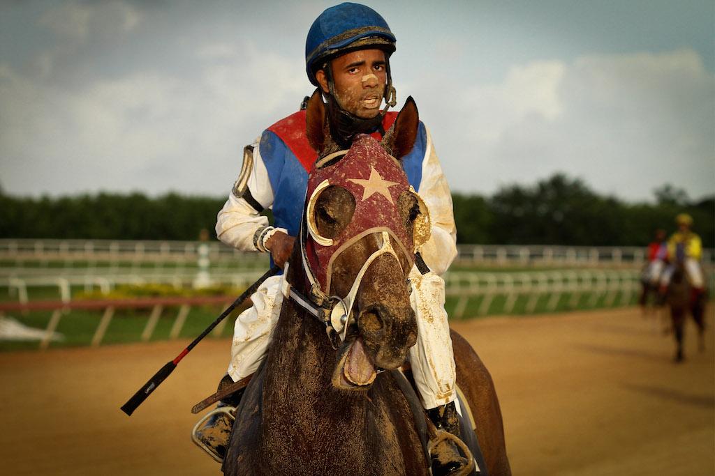 12-Horse-racing-at-Santa-Rosa-Park
